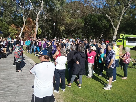 • More than 80 Maylands locals turn out to discuss the poor health of local lakes. Photossupplied|RogerTomlins