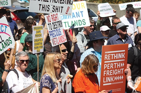 • Hundreds of protestors rallied at Parliament house over the destruction of wetlands in Bayswater, and across the metro area. PhotosbySteveGrant
