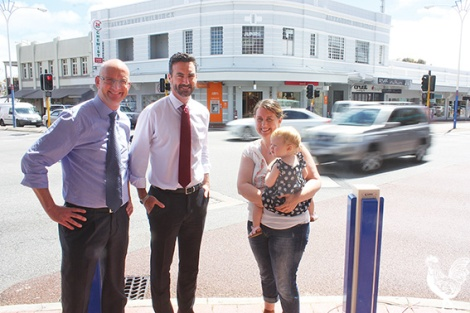 • Labor politicians Tim Hammond and Simon Millman with resident Jo McIlvenny hope a trial to ban right turns at the Beaufort and Walcott street intersection will make it quicker and safer for drivers and pedestrians. Photo by Steve Grant