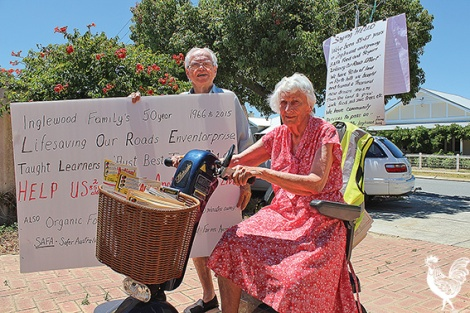 • Frank and Joan Ash want the Citizens Road Safety Association to live on. Photo byTrilokeshChanmugam