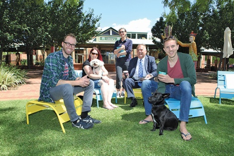 • Damien Giudici, Chani Crowe with her dog Jhez, Librarian Laura Ranieri, Mayor Italiano, and Ben Kemt with his dog Angus at Stirling's new alfresco reading room. Photo by Michael Gill